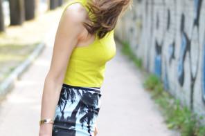 Outfit tropical glam per gli ultimi giorni d'estate
